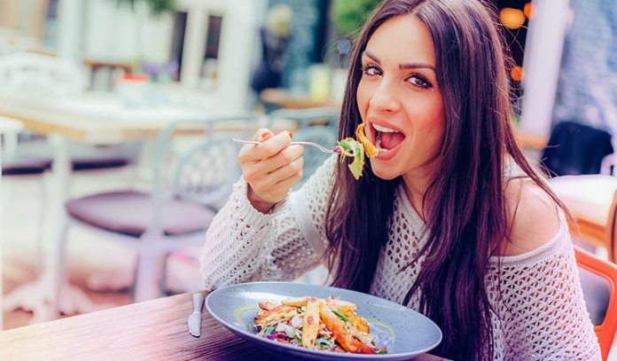 The best way to make sure you eat a healthy meal is by preparing your lunch at home and bringing it with you)