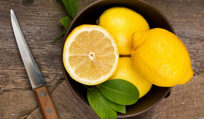 Lemon juice gives your body a thorough cleansing detox while keeping it hydrated and boosting your overall metabolism.