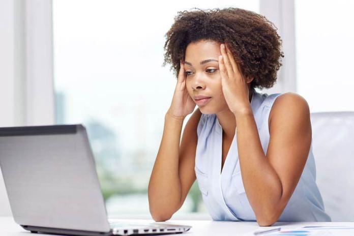 VapoRub reduces joint pain and headaches.