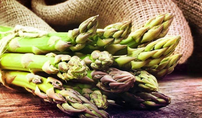 Sulfur in asparagus cleanses your body and removes toxins