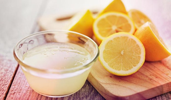 Lemon juice provides you skin with vitamin C that restores damaged tissue with scar tissue.