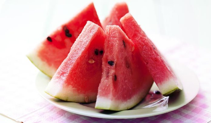 Watermelon has a very high water content and is easy to digest.)