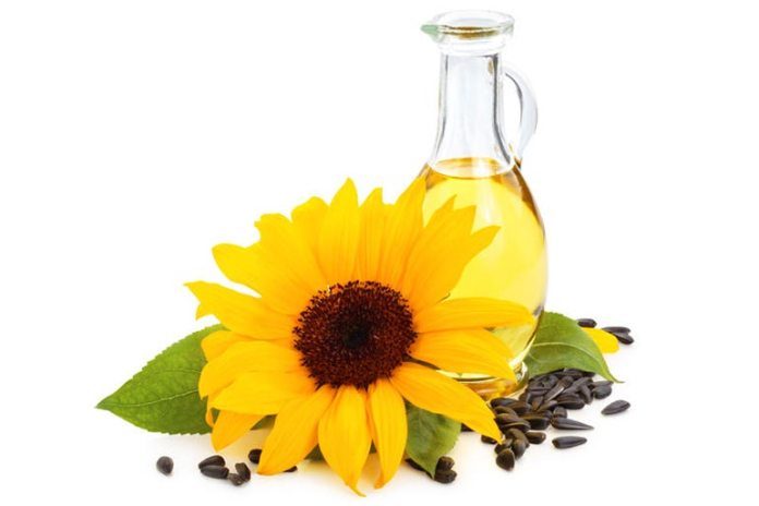 Sunflower seed oil is rich in antioxidants and healthy fats