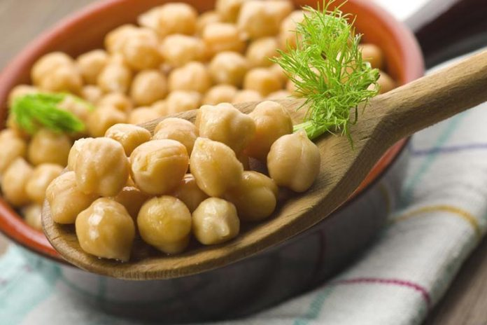 Chickpeas are rich in vitamin B6, which eases menstrual cramps.