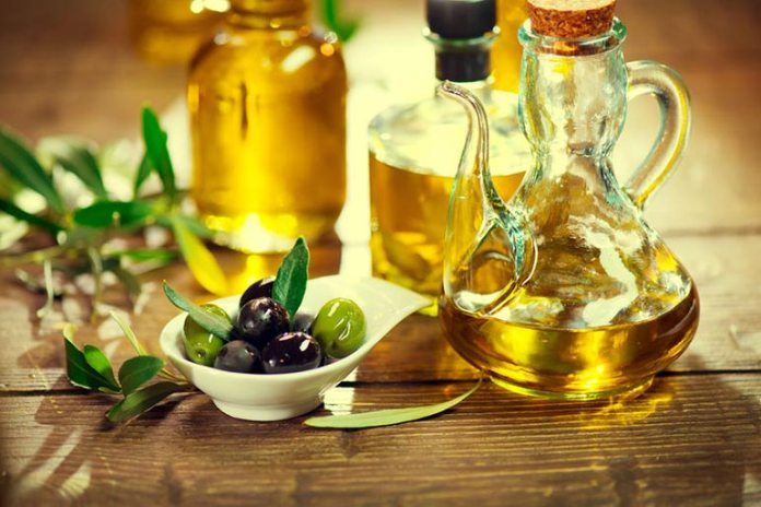 Quercitin is found in olive oil.