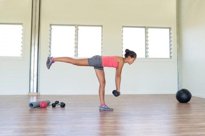 Single leg deadlift focuses on your muscle imbalances