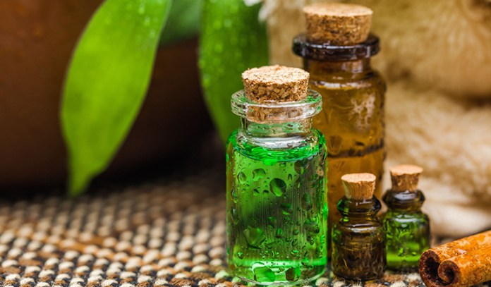 Tea tree oil helps to clean pores and prevent further growth of bacteria