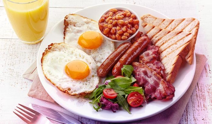 Eating breakfast helps the body store less fat and lower cholesterol and blood glucose levels