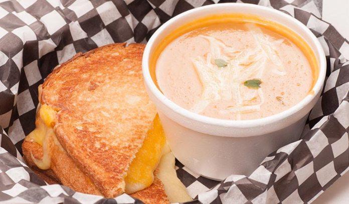 (A nutritious bean soup with sandwich makes you gain a lot of calories
