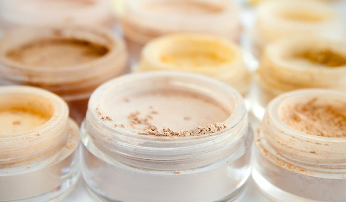 Mineral makeup contains a light sunblock and anti-inflammatory properties