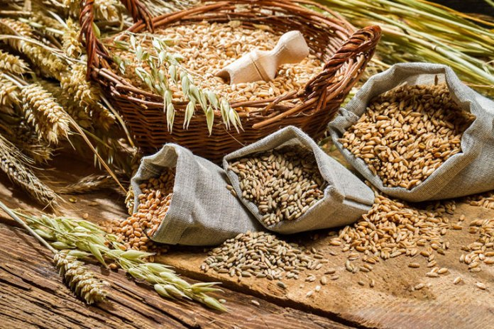 Be relieved of constipation by eating whole grains with fibrous bran