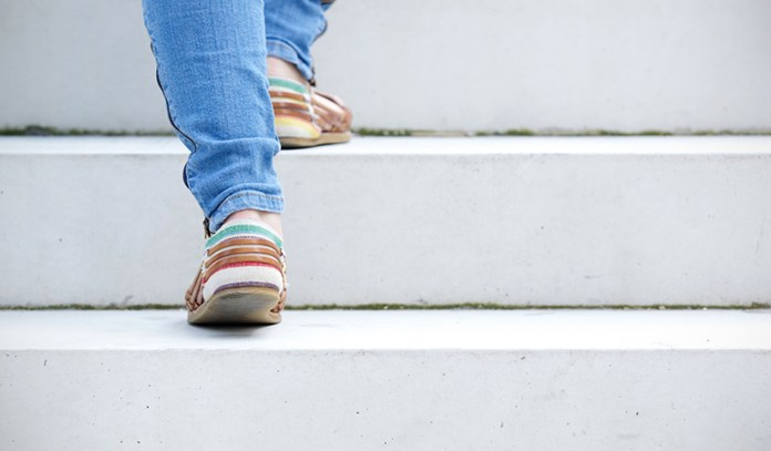 Simple tips to safely climb stairs