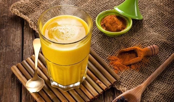 Cashew and turmeric milk to improve gut health