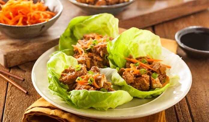Kale wraps: Use kale leaves instead of tortillas