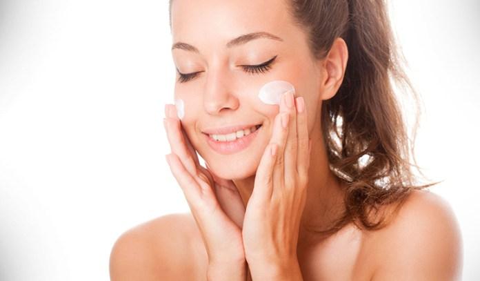Moisturize everyday to keep the skin moist