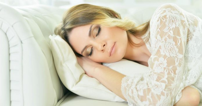 Your pillow might be the breeding ground of pathogens.)