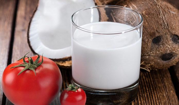 tomato helps unclog pores and coconut milk hydrates the skin