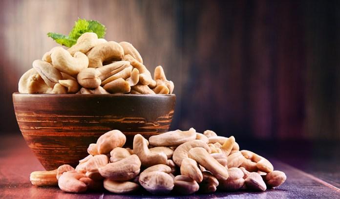 1 oz of cashew nuts has 1.89 mg iron.