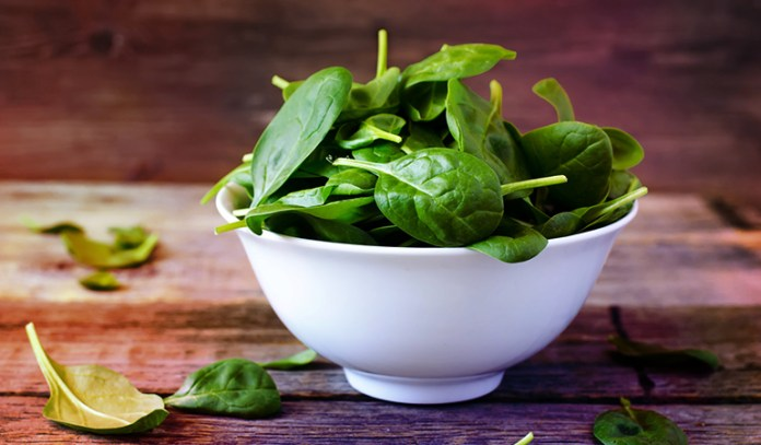 Spinach has 1.37 mg of zinc.