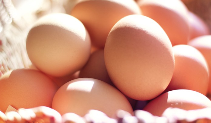 A large boiled egg has 15.4 mcg of selenium.