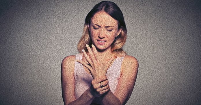 Home remedies for carpal tunnel syndrome include using a wrist splint.