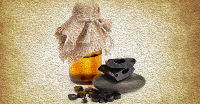 Health benefits of shilajit include reducing fatigue and boosting fertility.