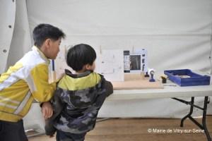 Des enfants participant à l'édition 2012 du festival Vitry-sur-Science © Mairie de Vitry-sur-Seine