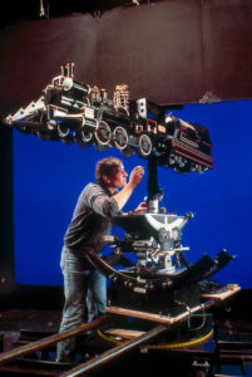 De Volta Para o Futuro 20 201x300 - Cenas raras dos locais de gravação do filme De Volta para o Futuro