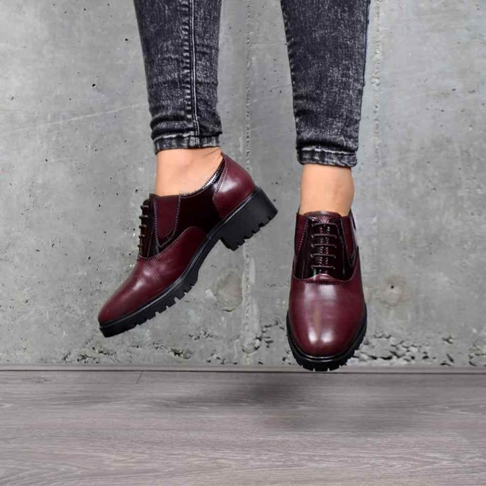 zapato a la moda para mujer