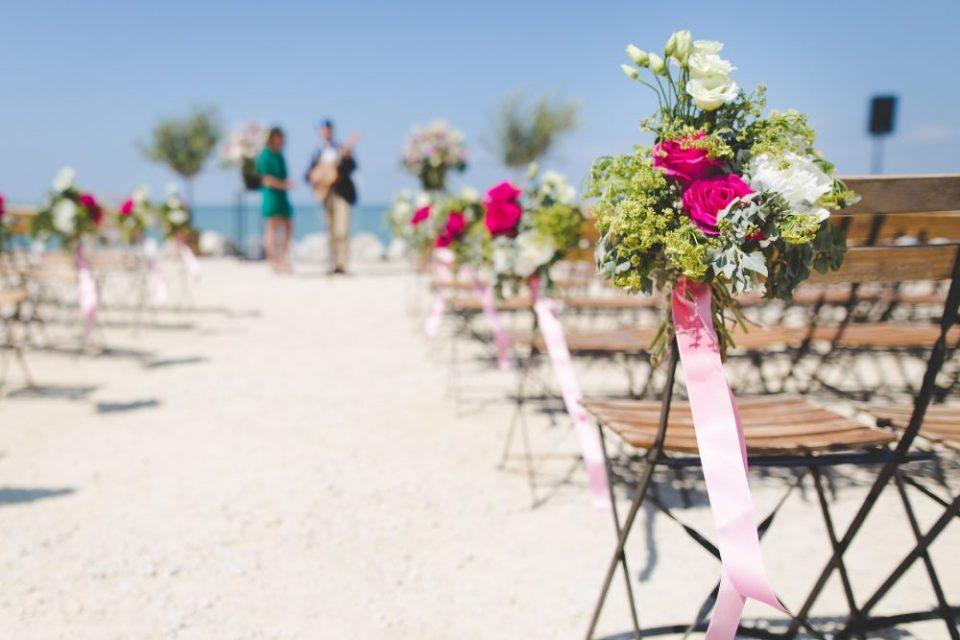 decorar playa para boda