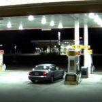 Una mujer escapa del maletero del auto de su secuestrador