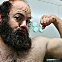 De marine barbudo y 103 kilos a rubia espectacular