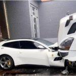 Lo echaron del trabajo y aplasto la Ferrari de su jefe