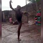 Lo vieron bailando descalzo en el barro, y prestigiosa escuela de ballet le dio una beca