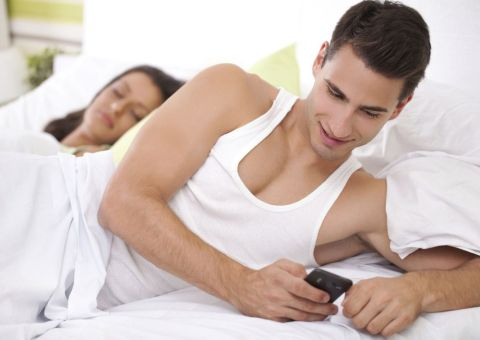 Infidelidad en la red | Actos que te delatan