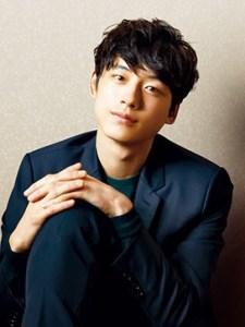 モデル出身の坂口健太郎さん