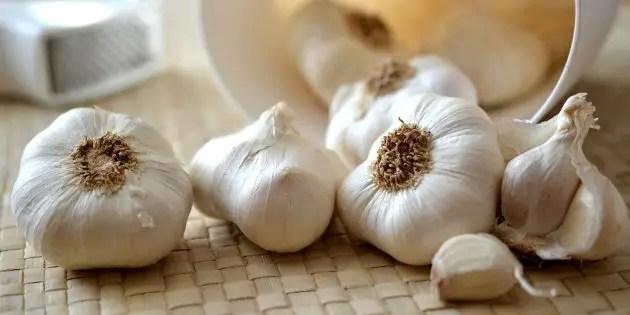 A few white calcium rich garlic bulbs and cloves