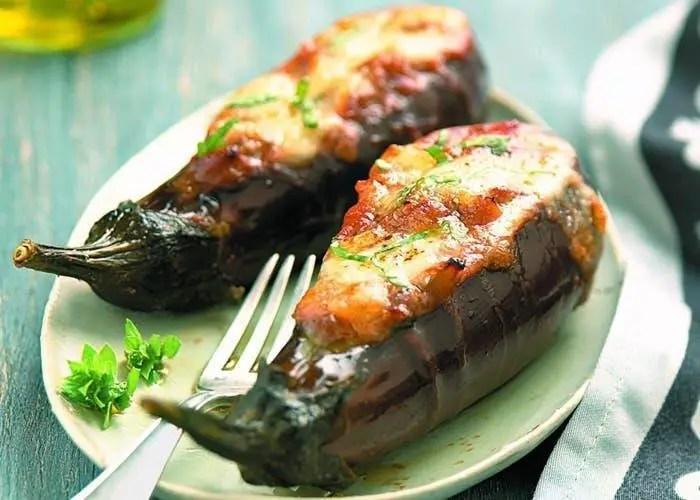Eggplants stuffed with meat