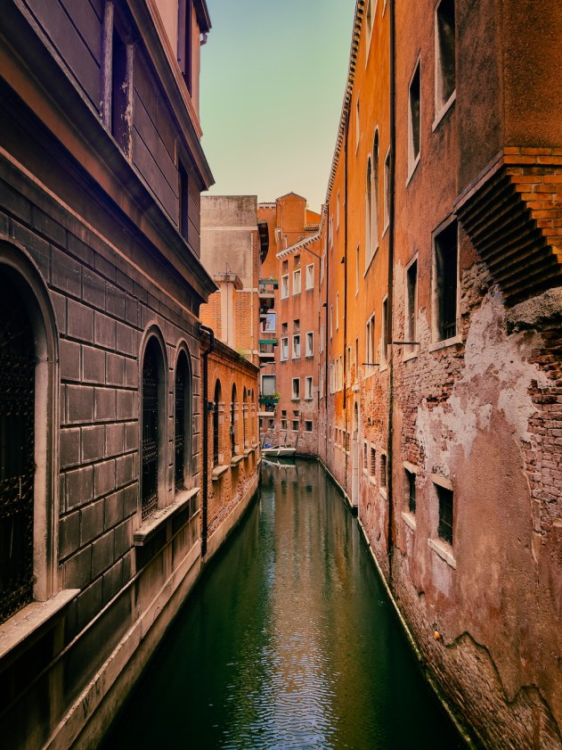 quiet Venice canal without crowds sustainable itinerary