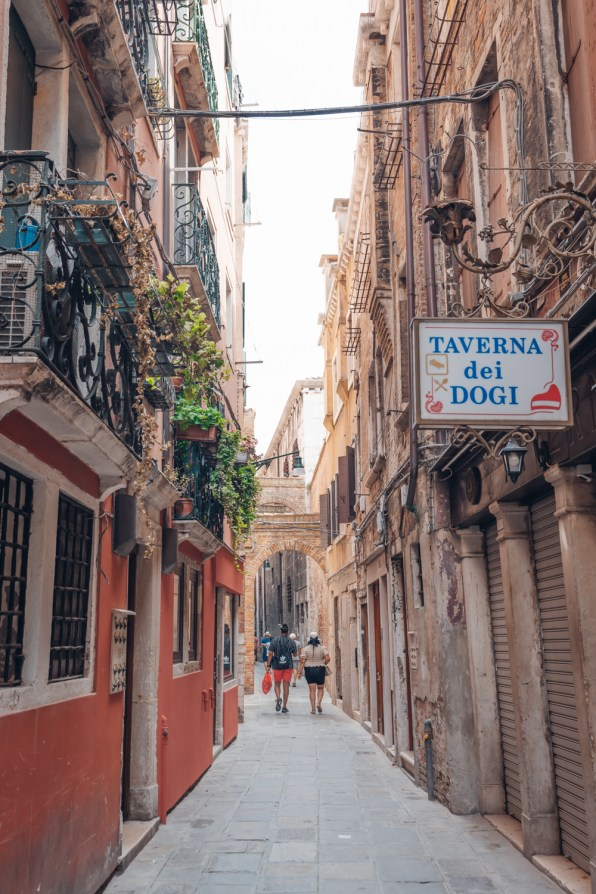 sustainable travel tips Venice