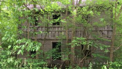 Photo of Pretty Abandoned Places – Mountain Home in Paw Paw