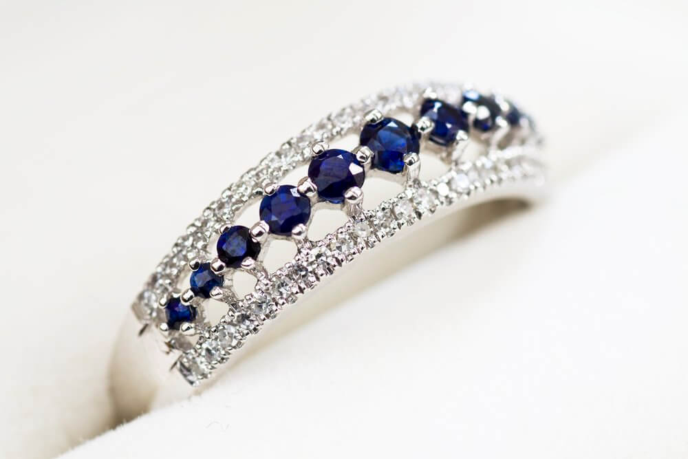 Sapphire fossicking