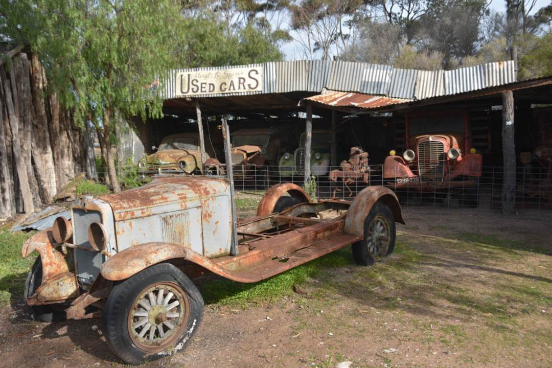 Old cars at Old Tailem Town