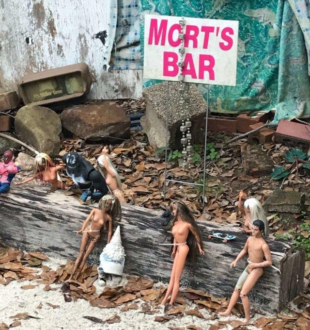 Morts Bar, Barbie Beach
