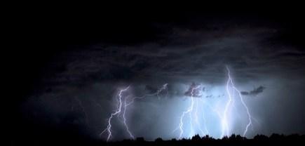 lightning-1158027_640.jpg