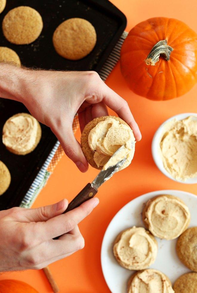 PERFECT-Vegan-Pumpkin-Sugar-Cookies-1-bowl-tender-sweet-perfeclty-spiced-vegan-fall-pumpkin