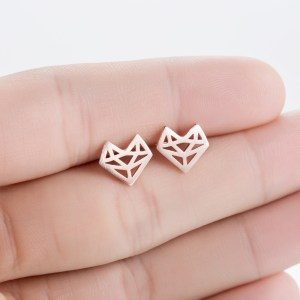 Minimalist origami fox earrings - so cute! #foxes #foxaccessories #welovefoxes #afflink