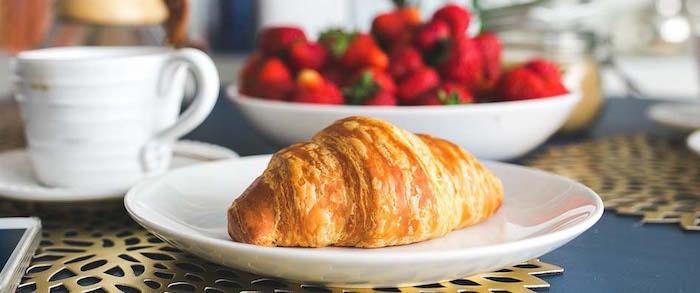 croissant breakfast