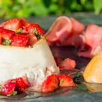 Recept Gebakken ricotta met aardbeien salsa