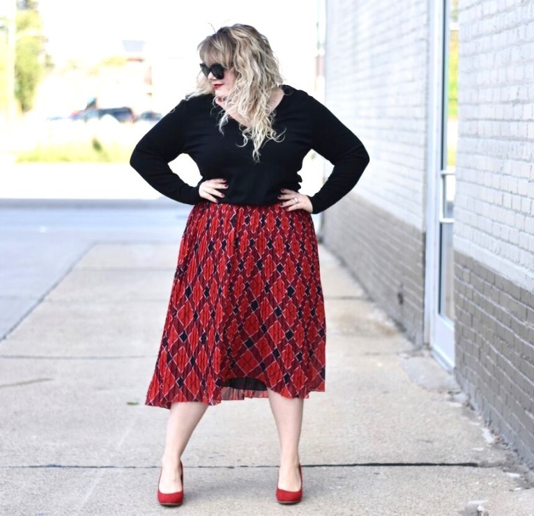 HIPS Resale Boutique, sharing some affordable holiday fashion inspiration from HIPS a plus size fashion destination in Detroit MI.